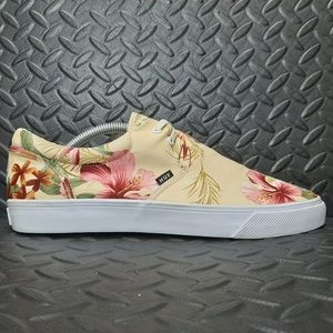 Huf low casual slip-on used size 10 boat shoe